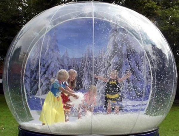 noleggio sfera natalizia gonfiabile brescia